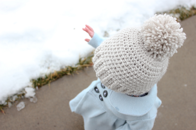 Simple Crocheted Pointed Bonnet – Free Toddler Size Pattern!