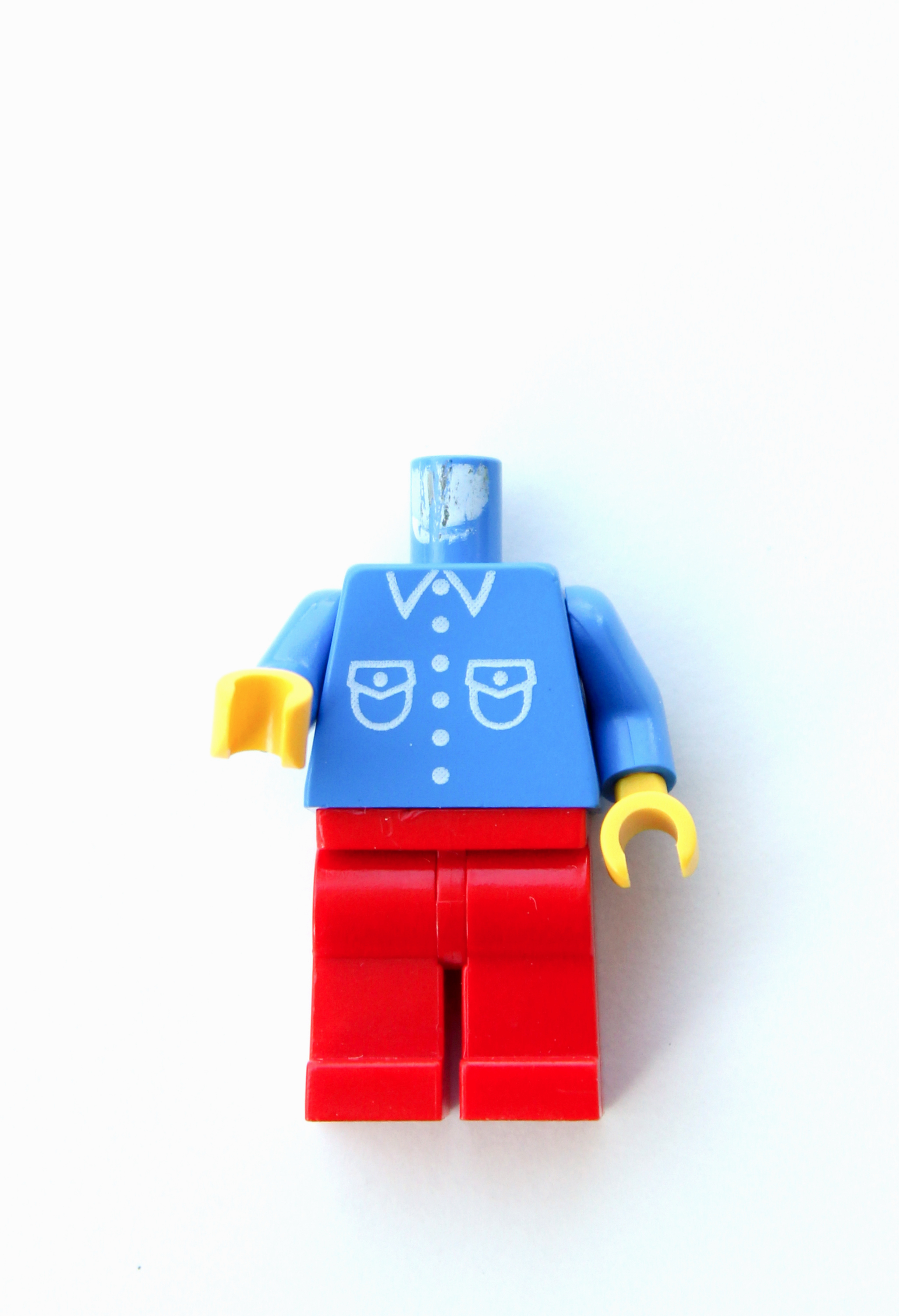 pin-the-lego-head-on-the-lego-guy-11x16-final