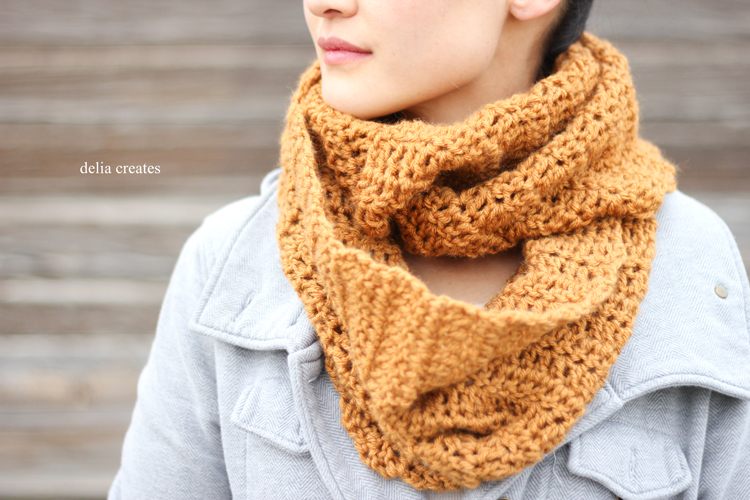 double crochet infinity scarf (12 of 49)
