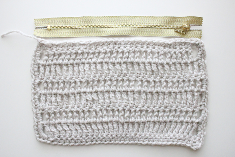 treble crochet zip pouch (12 of 50)