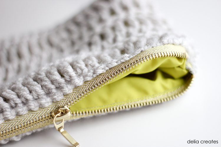 Treble Crochet Zip Pouch Tutorial