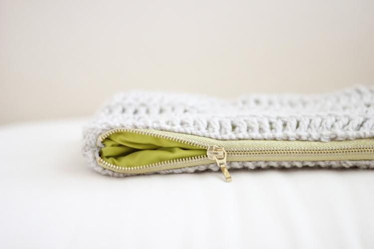 treble crochet zip pouch (38 of 50)