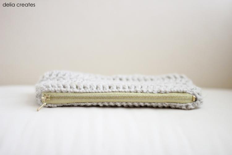 treble crochet zip pouch (40 of 50)