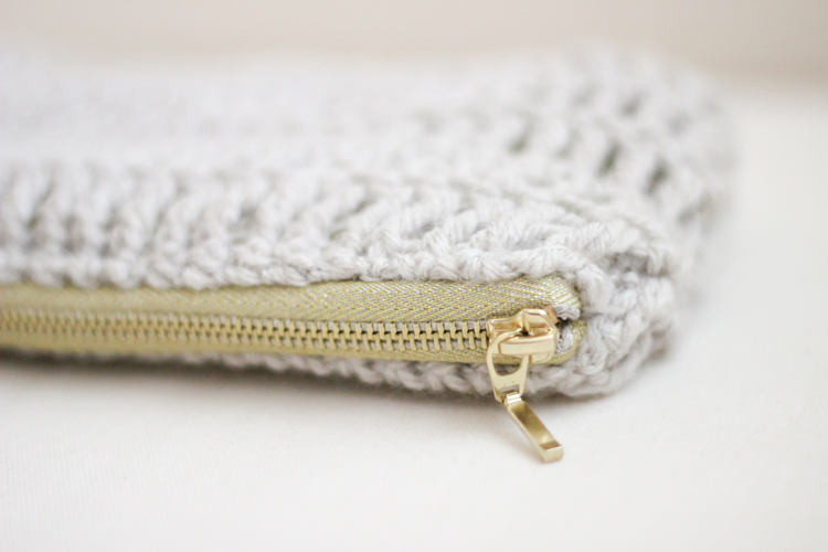 Crochet Zipper : treble crochet zip pouch (50 of 50)