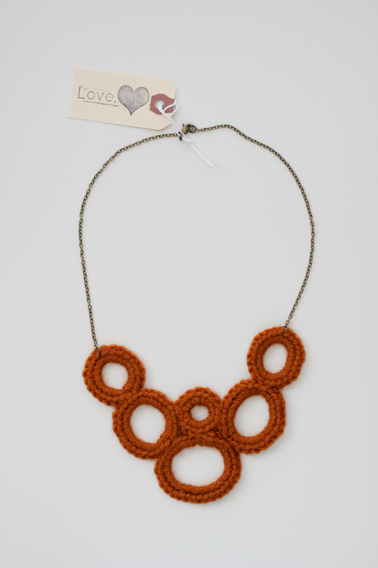 crochet bib necklace (1 of 16)
