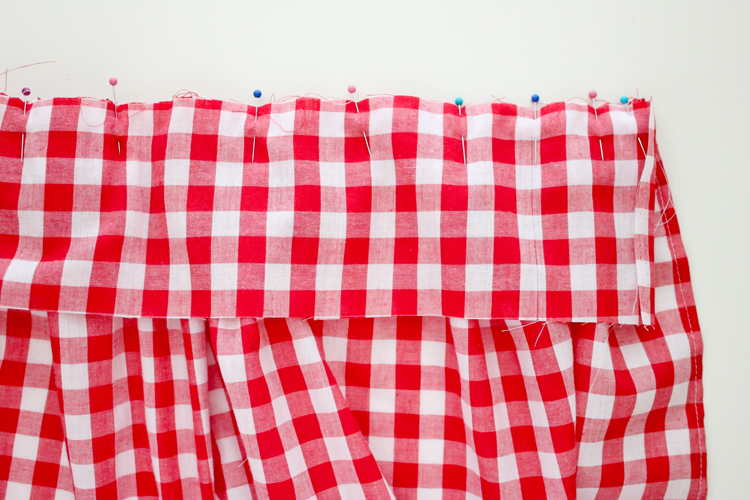 Simple Gathered Half Apron TUTORIAL - Delia Creates