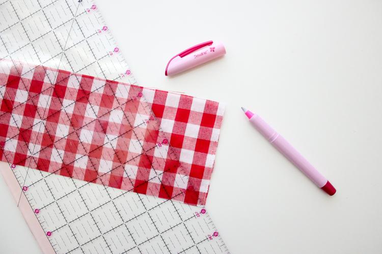 Simple Gathered Half Apron TUTORIAL - Delia Creates