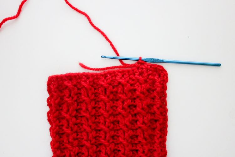 Cute crocheted toddler purse - free pattern! (Delia Creates)