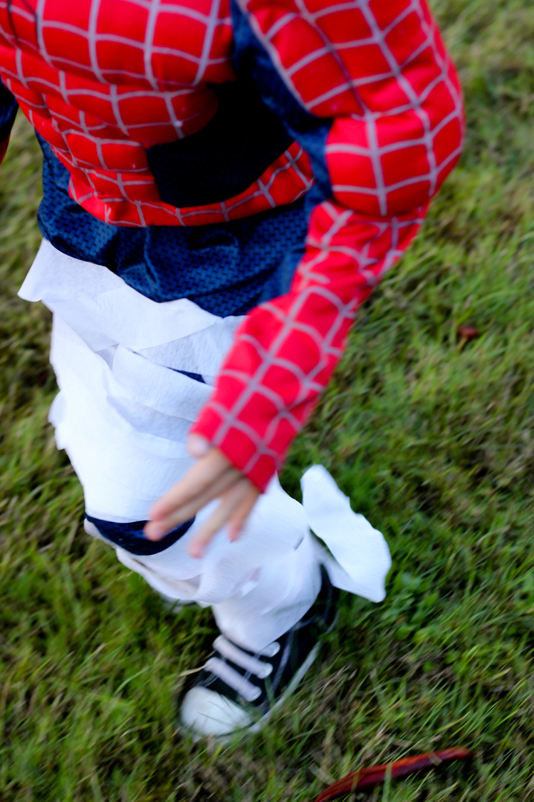 Five Easy Halloween Games For Kids // Delia Creates