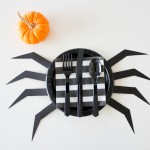 DIY Halloween Paper Plates + free templates
