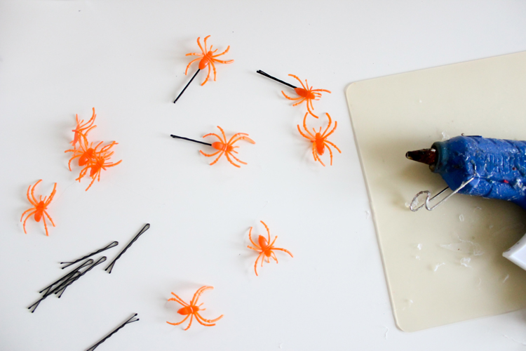 Halloween Spider Hair Pins // Delia Creates