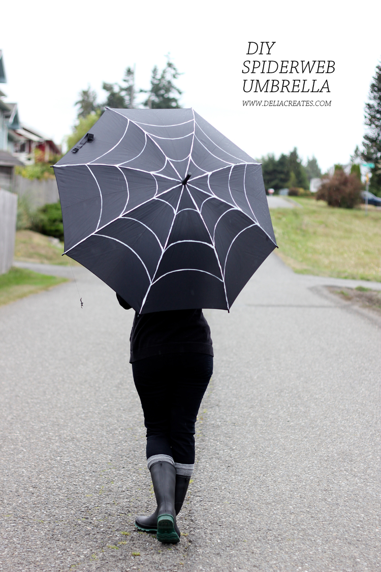 DIY Spiderweb Umbrella (Delia Creates)
