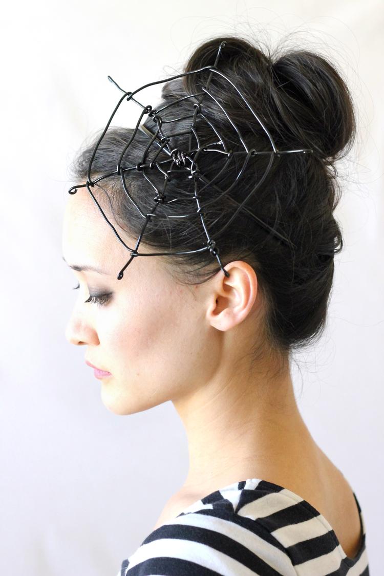 DIY wire spiderweb fascinator (Delia Creates)