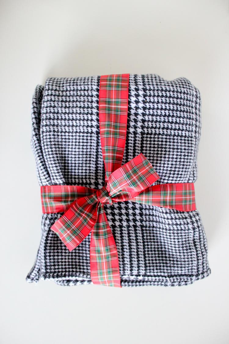 Cozy DIY Flannel Scarves // Delia Creates