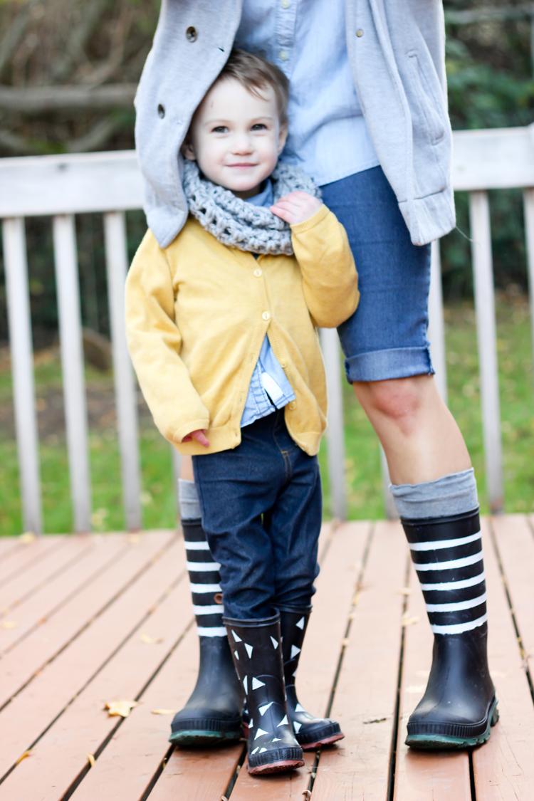Spray painted rain boots // Delia Creates