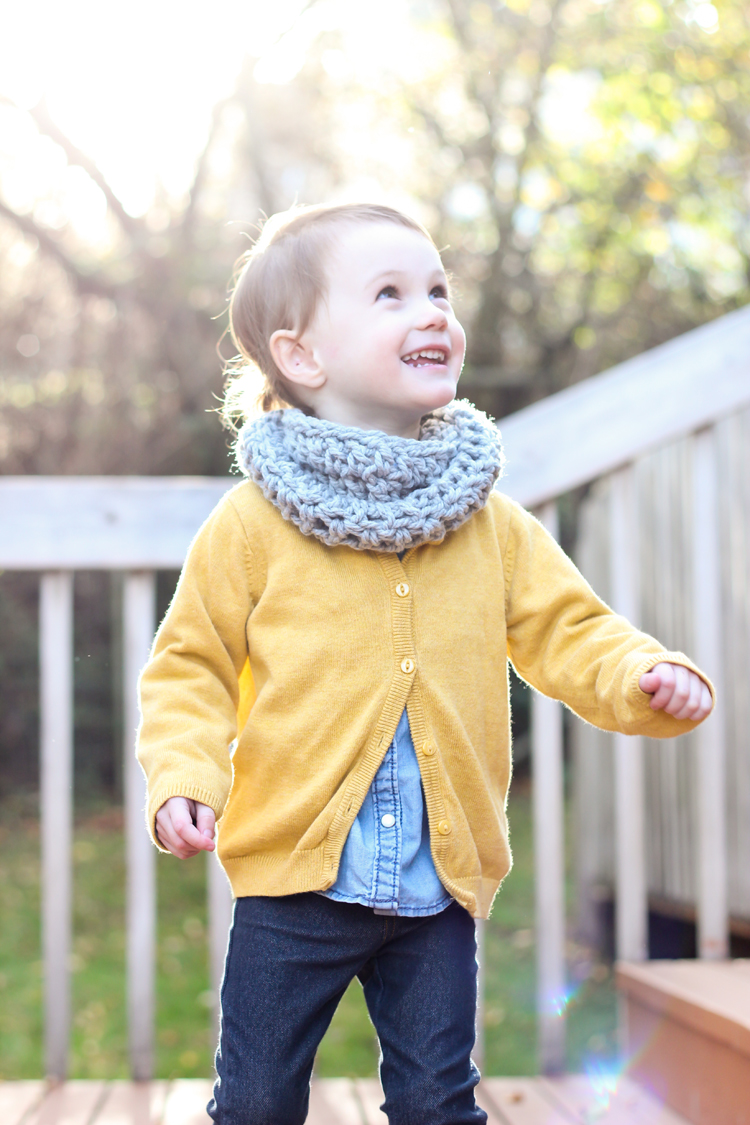 Crocheted Toddler Cowl Scarf   Free Pattern