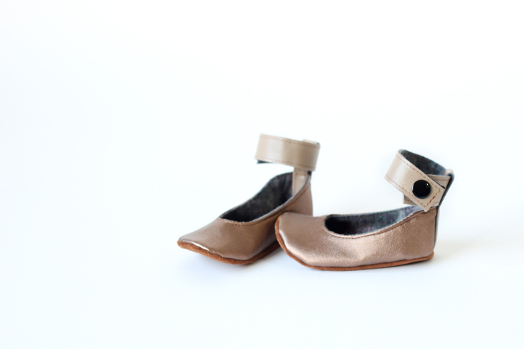 Baby shoes made from Girl Charlee Vegan Leather...big giveaway on www.deliacreates.com!