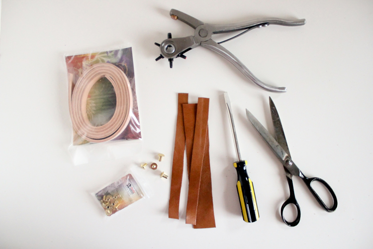 Leather Christmas Ornament // Delia Creates