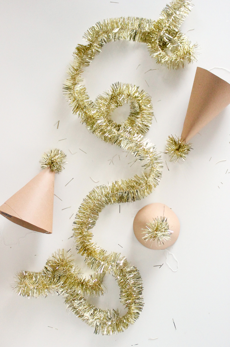 Super easy DIY Tinsel New Year's Eve projects // Delia Creates