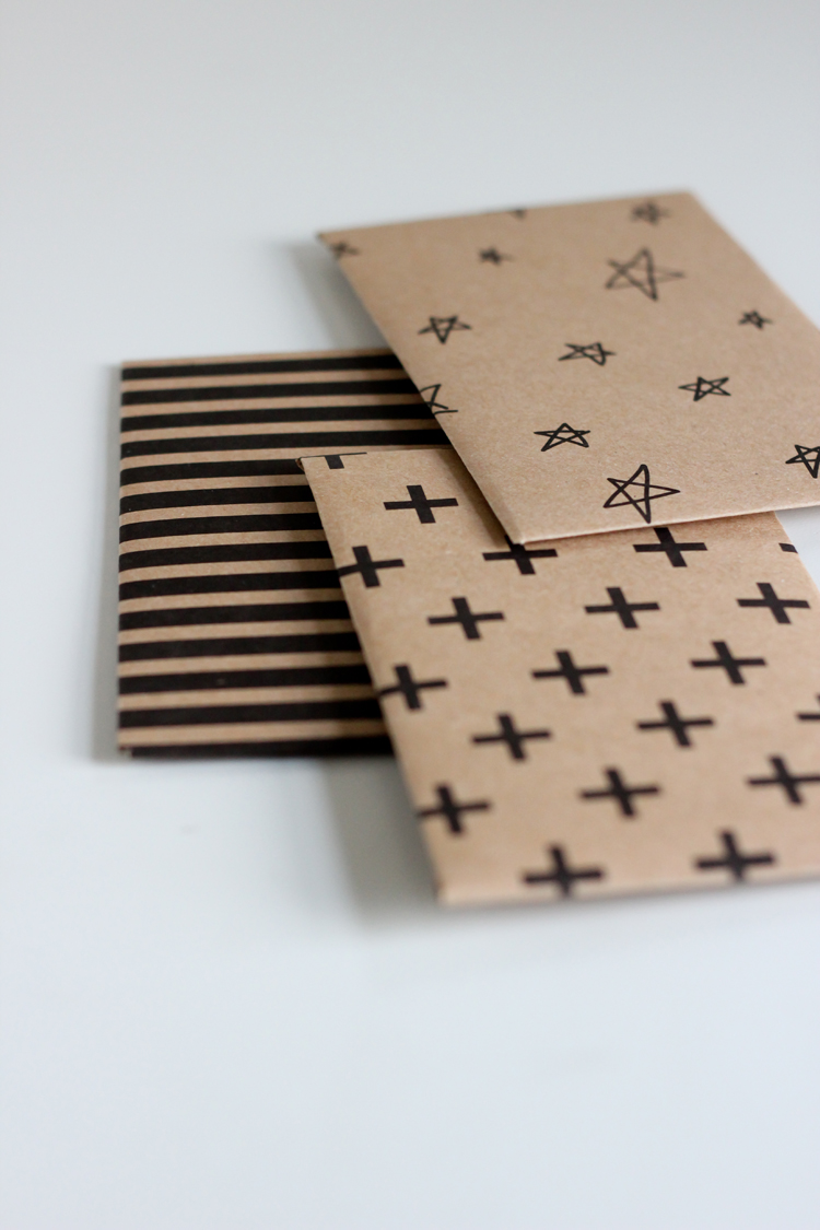 Kraft Paper Gift Card Envelope - Free Printable // Delia Creates
