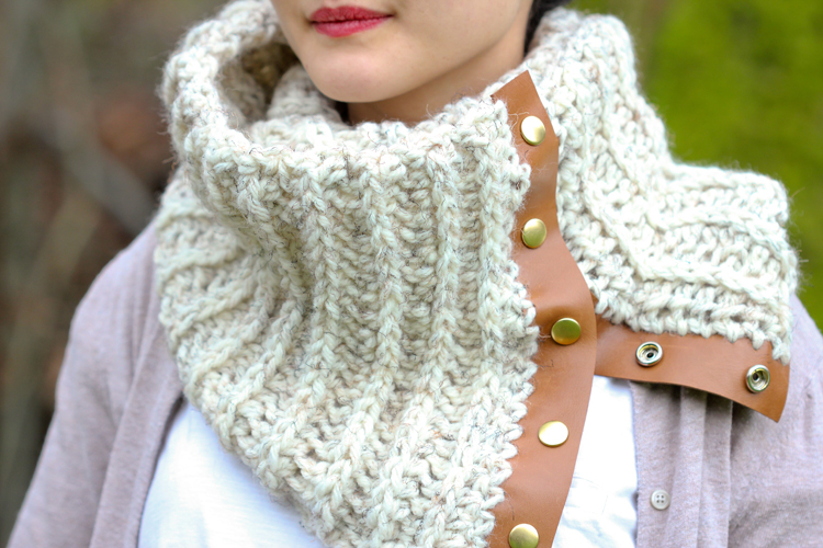 Crochet Leather Snap Scarf ? Free Pattern