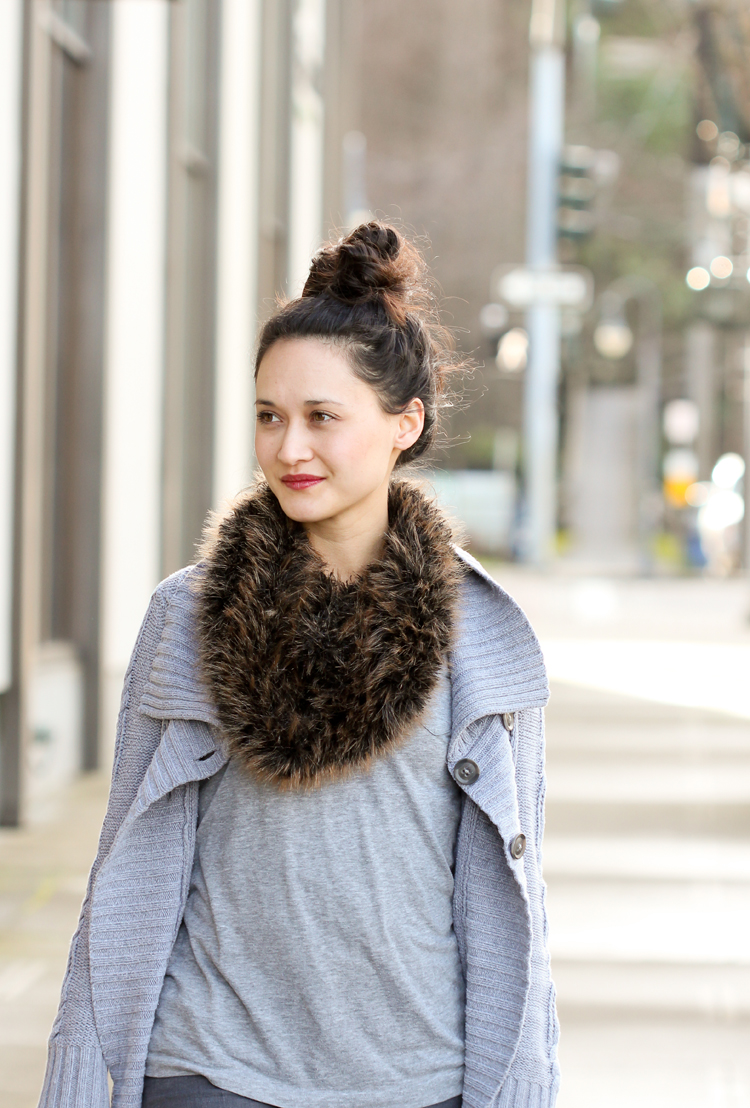 Crocheted Fur Scarf...free crochet pattern made using pelt yarn!  // Delia Creates