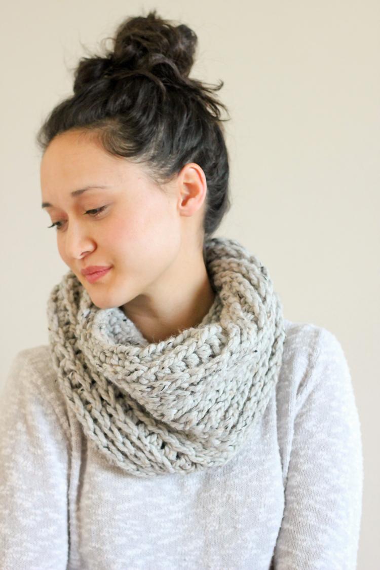 Knit Look Crochet Cowl - FREE PATTERN