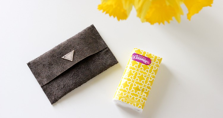 leather tissue pouches (9 of 26)0223