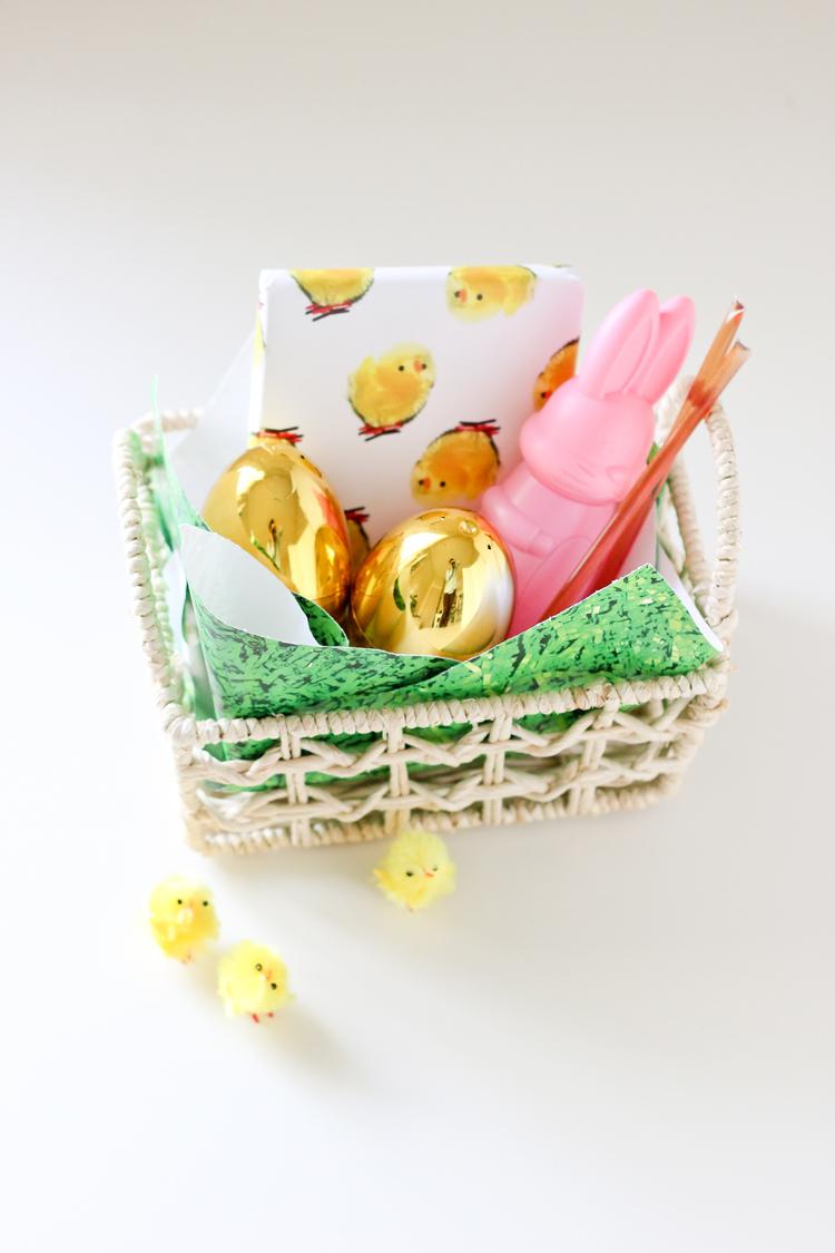 Easter grass paper - FREE Printable! // Delia Creates