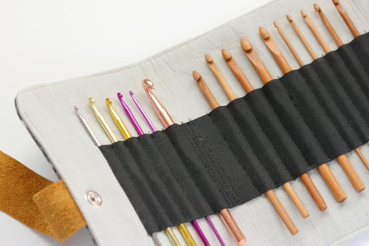 Crochet hook case TUTORIAL // Delia Creates