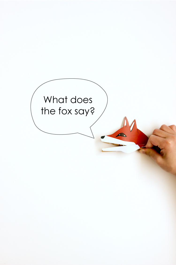 Clothespin Animal Puppets - free printable! // Delia Creates