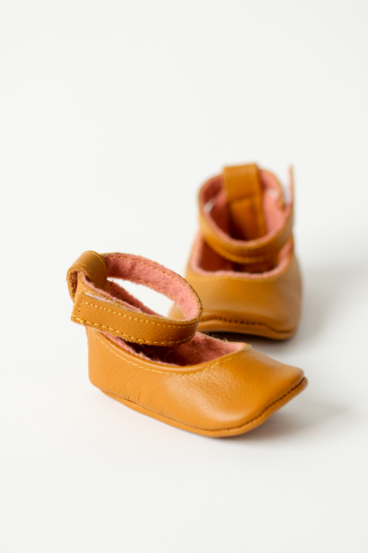 Natty Jane leather baby shoes // Delia Creates
