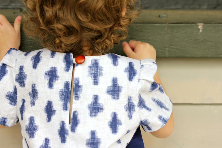 How to change a zipper to an EASY button closure TUTORIAL // Delia Creates