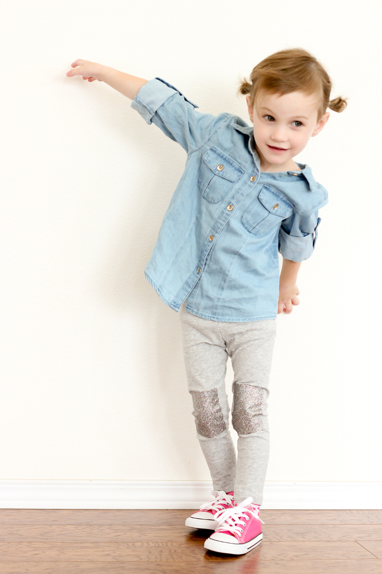 Cute, iron on knee patches for holey leggings // Delia Creates