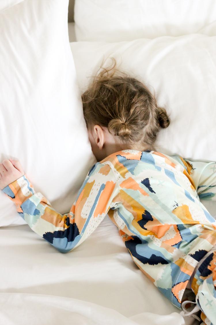 Modern Pajamas in AGF Bound knit fabric // Delia Creates