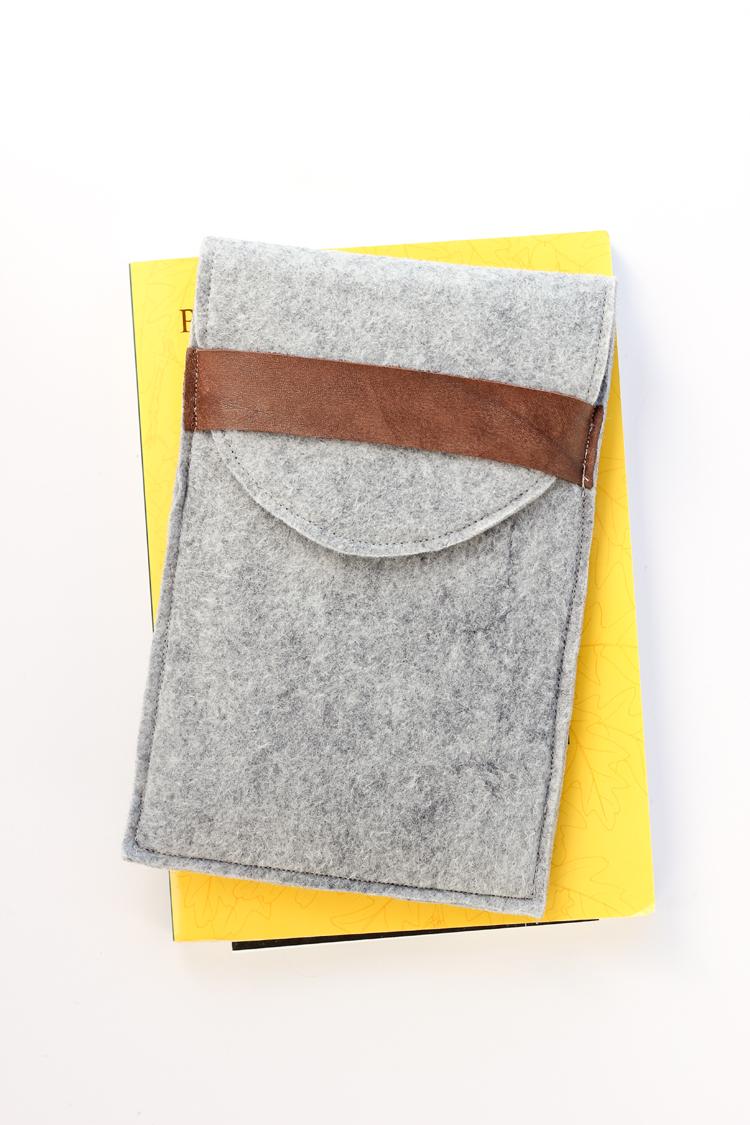 Felt Tablet Case TUTORIAL // Delia Creates