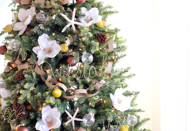 Floral Christmas Tree // Delia Creates