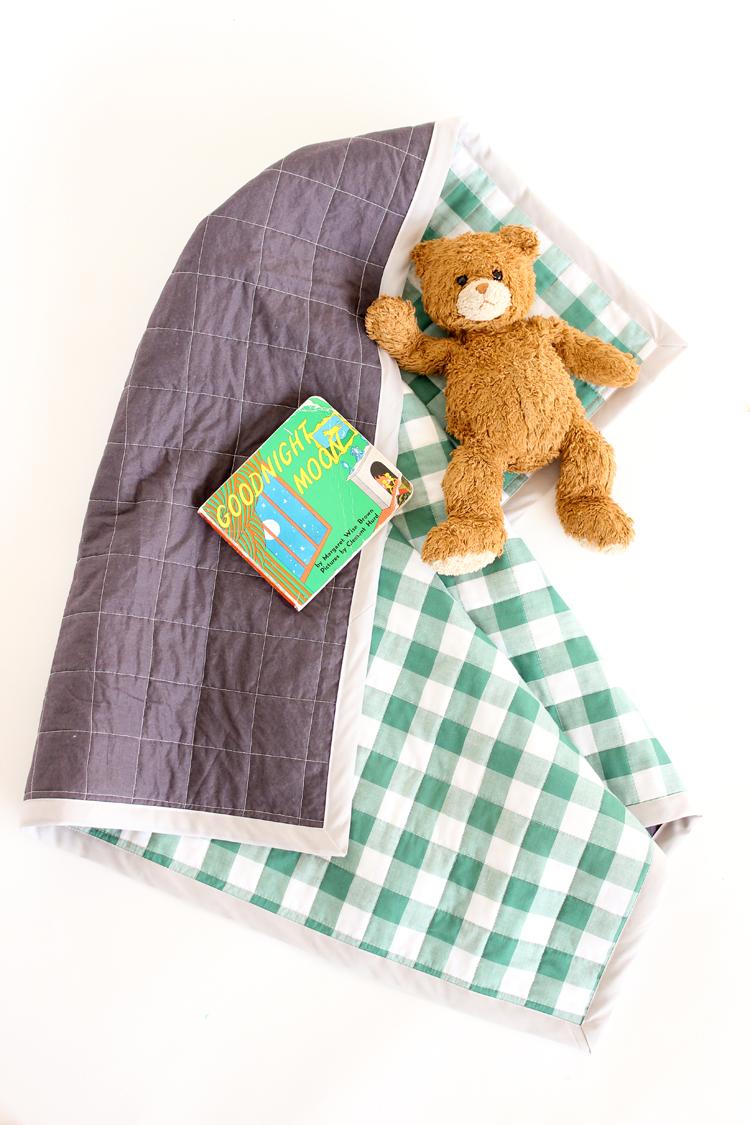 Resultado de imagem para Gingham Baby Quilt