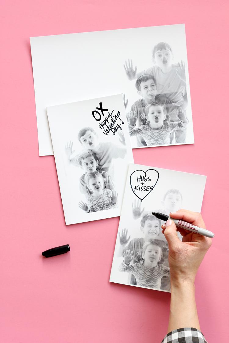 Kissy Face Valentines // www.deliacreates.com