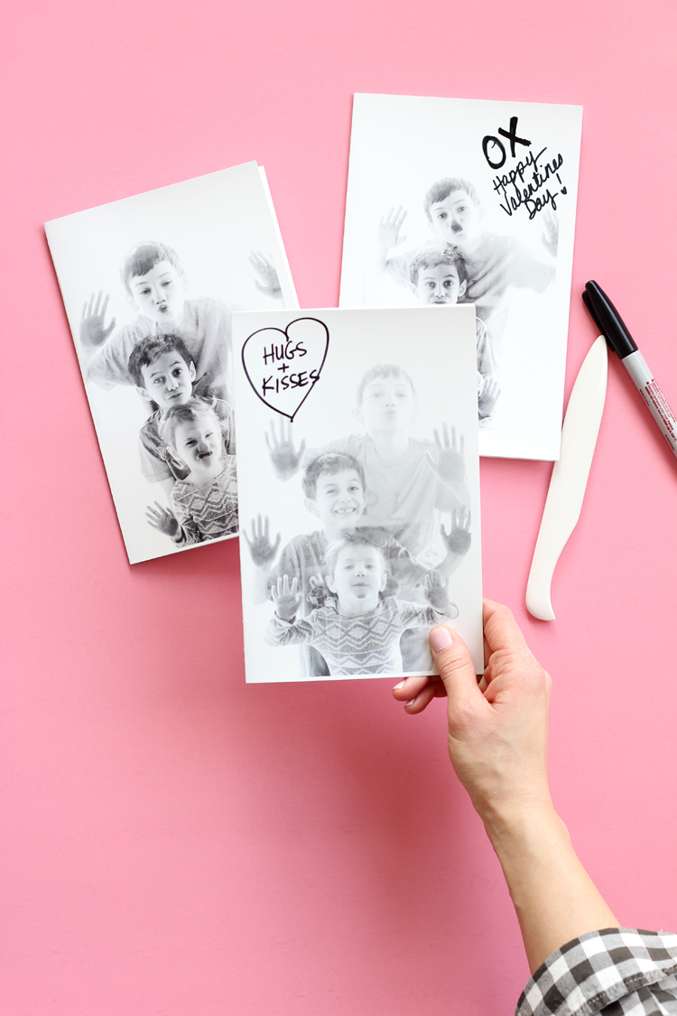 Kissy Face Valentines // www.deliacreates.com