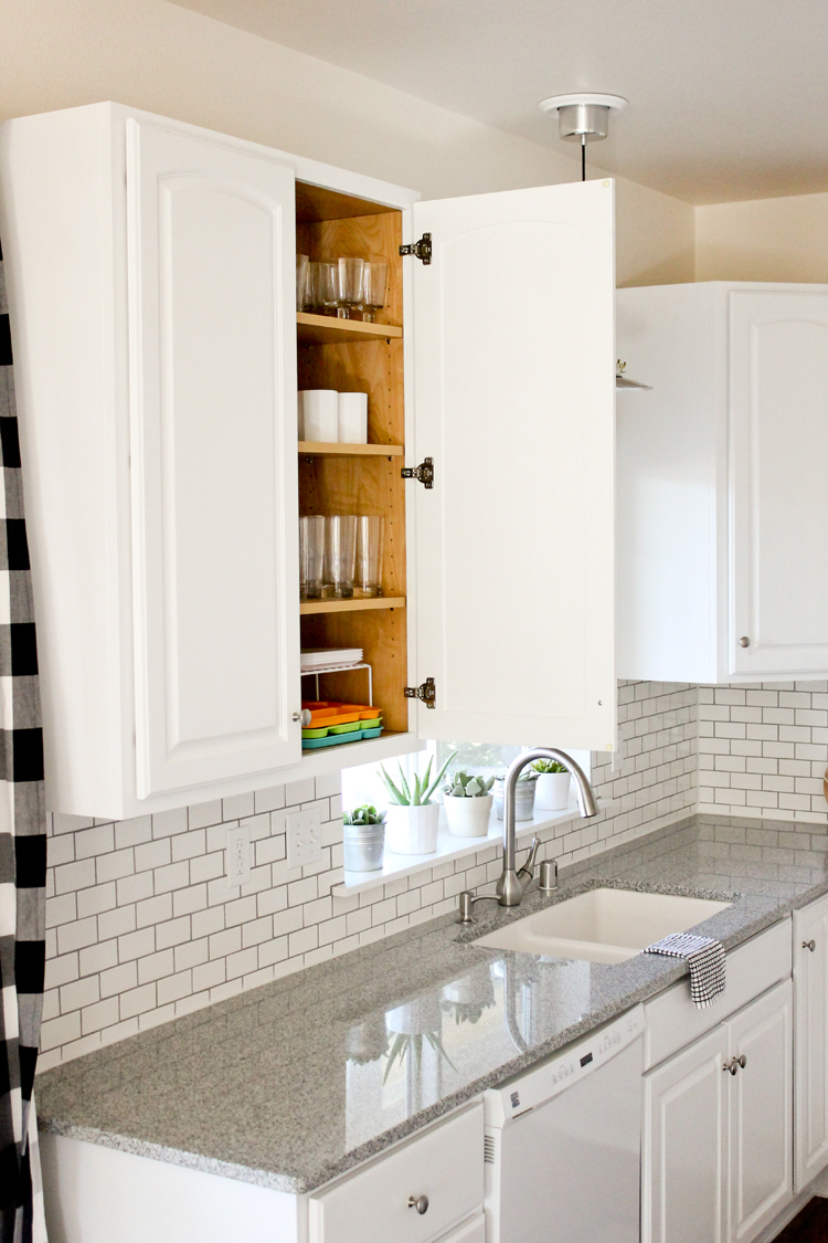 Kitchen Renovation Series: Painting Our Kitchen Cabinets White   With Chalk  Paint! //