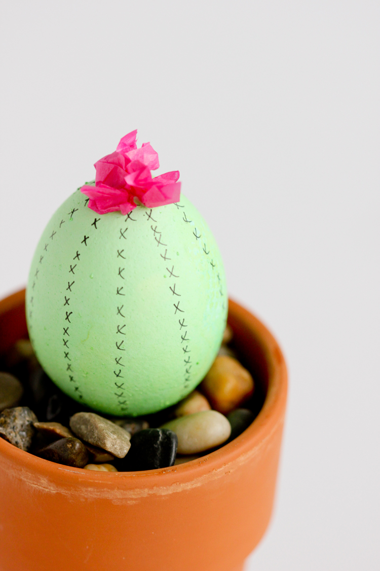 Cactus Easter Eggs // www.deliacreates.com