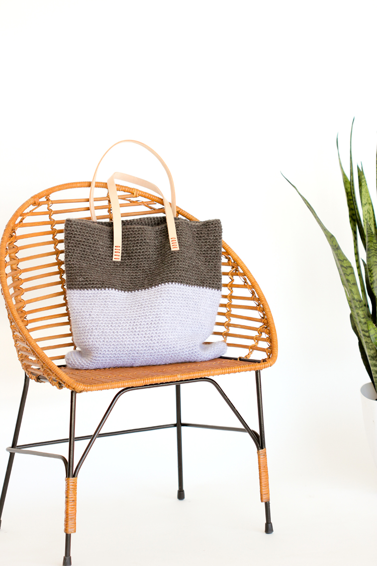 Crochet + Leather Basic Tote - Free Pattern // www.deliacreates.com
