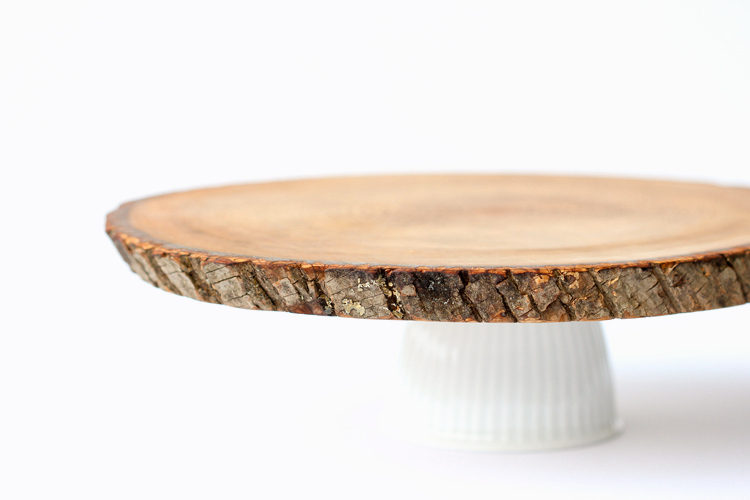 Wood Slice Cake Plate DIY (food safe!) // www.deliacreates.com