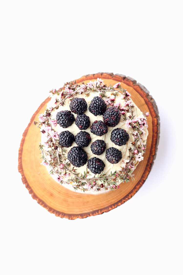 Wood Slice Cake Plate DIY (food safe!) // www.deliacreates.com