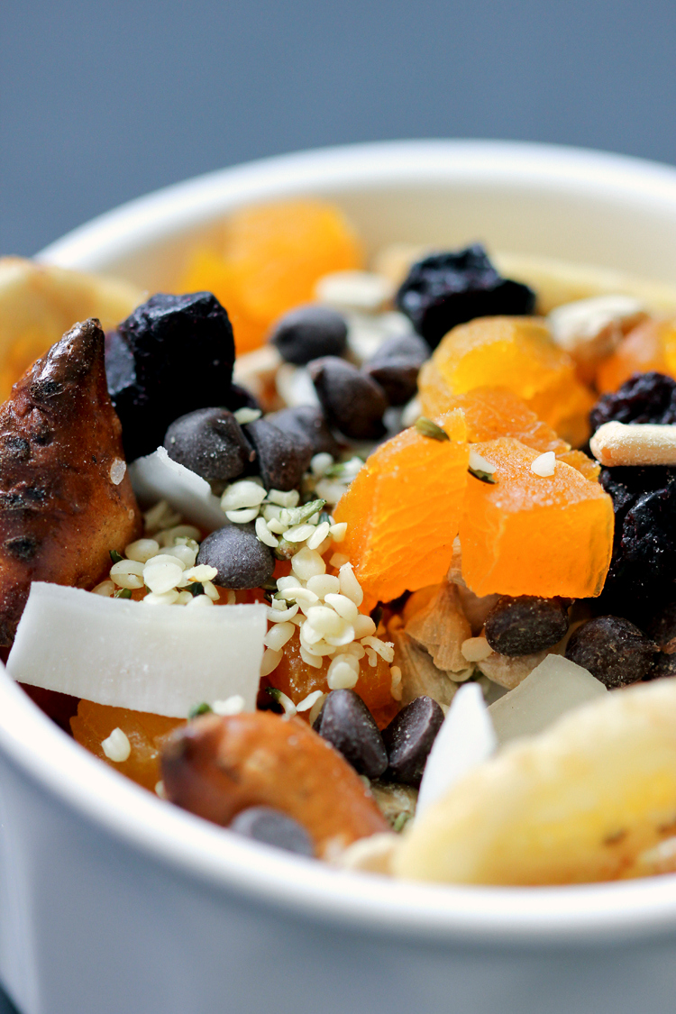 Easy, Healthy Nut-Free Trail Mix Recipe // www.deliacreates.com