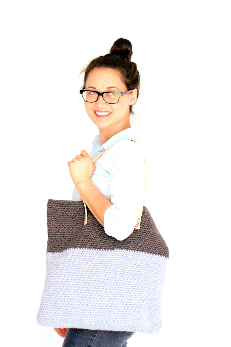 Crochet and Crochet + Leather Basic Tote - Free Pattern // www.deliacreates.com