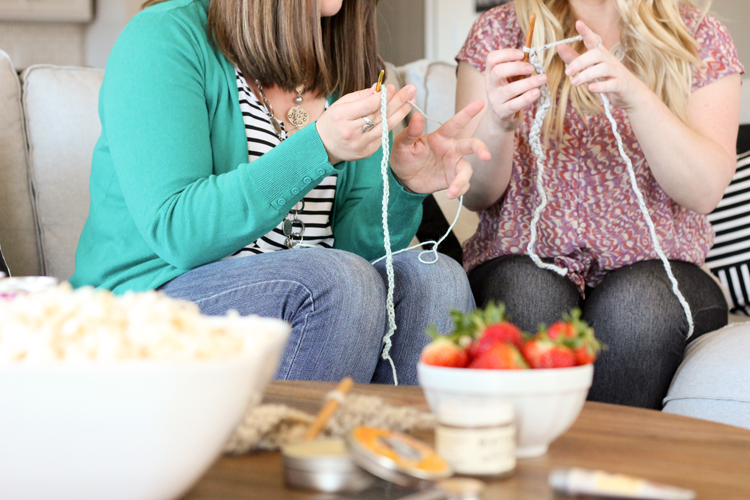 Gather Friends for a Stitch 'n' Flix Party + 15 Easy Crochet Projects // www.deliacreates.com