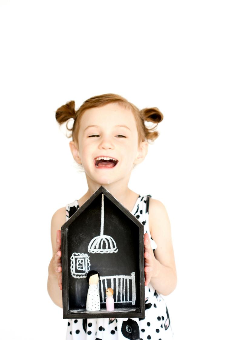 DIY Chalkboard Doll Houses // www.deliacreates.com