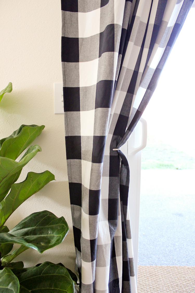 How To Sew Floor Length Drapes - the easy way! // www.deliacreates.com